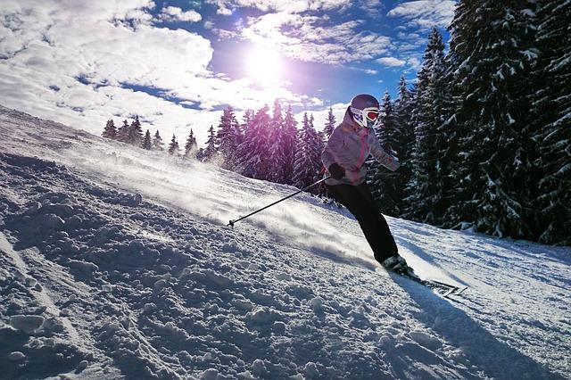 skiing-1723857_640