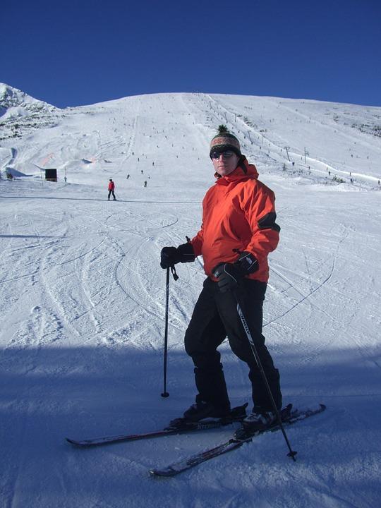 Skal du på skitur? Sådan pakker du kufferten!